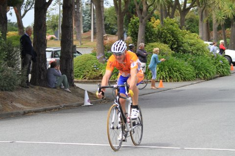 Tony Hammington takes the win in Open Div 3 at the New Year Criterium at Ascot Park Hotel