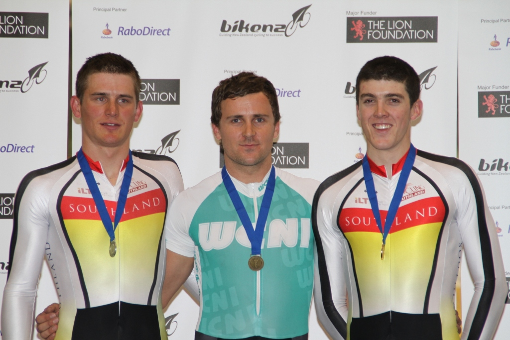 Simon van Velthooven flanked by Cam Karwowski and Tom Scully after winning the Mens Kilo