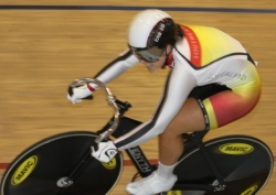 Steph McKenzie sets a new national record in the U19 500m TT