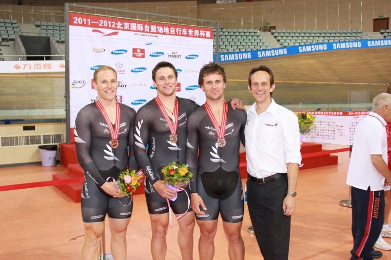 Medal winners_Beijing (800x533)