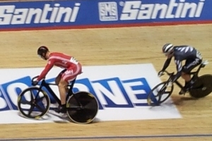 Ethan Mitchell makes his move against Chris Hoy