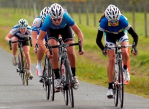 Sophie Williamson (right) wins National Road title