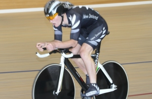 Dylan Kennett rides the 2012 Oceania Championships in Invercargill