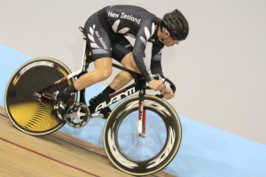 Tom Beadle in the keirin