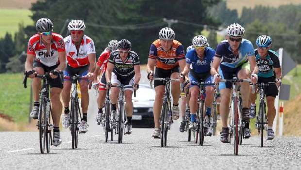 B Grade on the climb - Photo by Robyn Edie/The Southland Times