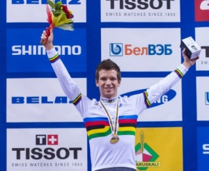 Aaron Gate wins the Omnium World Championship - photo by Guy Swarbrick-BikeNZ