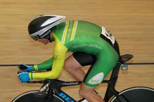 Reon Park rides to gold in M1 Individual pursuit - Photo by Robyn Jordan
